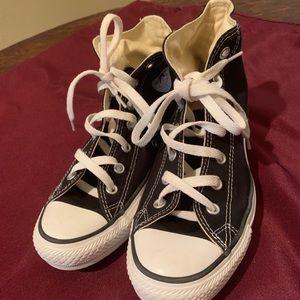 Converse Black Hi-Top Chuck Taylors Size 8